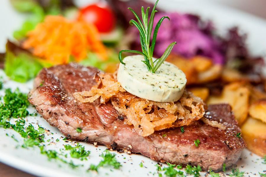 Montags jedes Steak nur 10,90 €